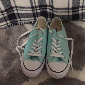 light blue low top converse [women 7]